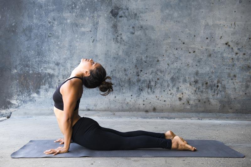 Yoga Übungen am Morgen   Ana Heart Blog